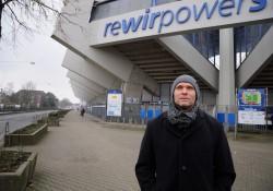 Legat_vor_Stadion